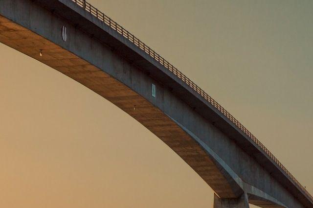 Сейчас на мосту существует ограничение по весу - 15 тонн.