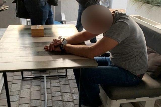 ГБР задержало офицера полиции при получении взятки