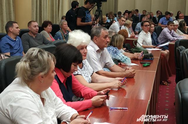 Володин призвал разобраться с причиной появления обманутых дольщиков