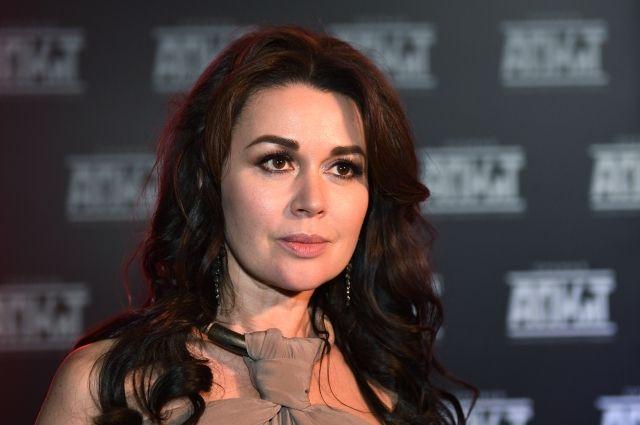 Директор Заворотнюк анонсировал специальное заявление актрисы в телеэфире