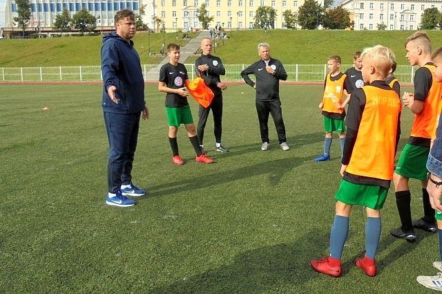 В Тюменском районе открылись новые футбольные площадки