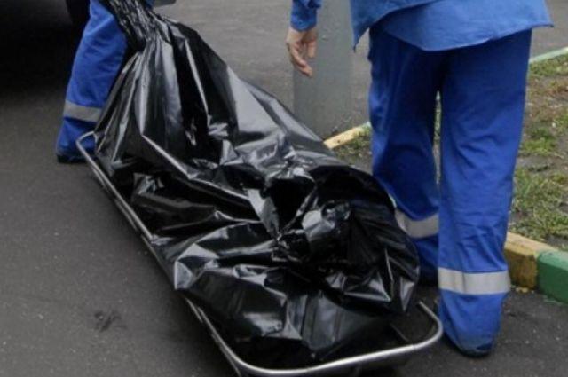 Тюменцы сообщают, что на улице Чаплина обнаружен труп мужчины