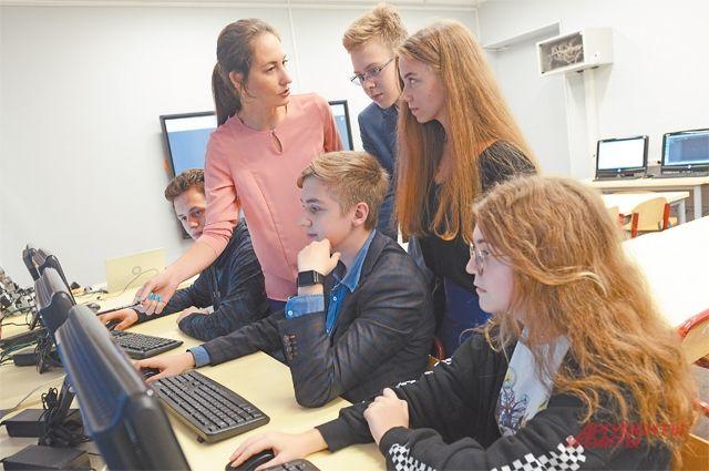 Право на открытие профильного IT-класса получили 32 школы. Аттестацию проходили как ученики, так и преподаватели.