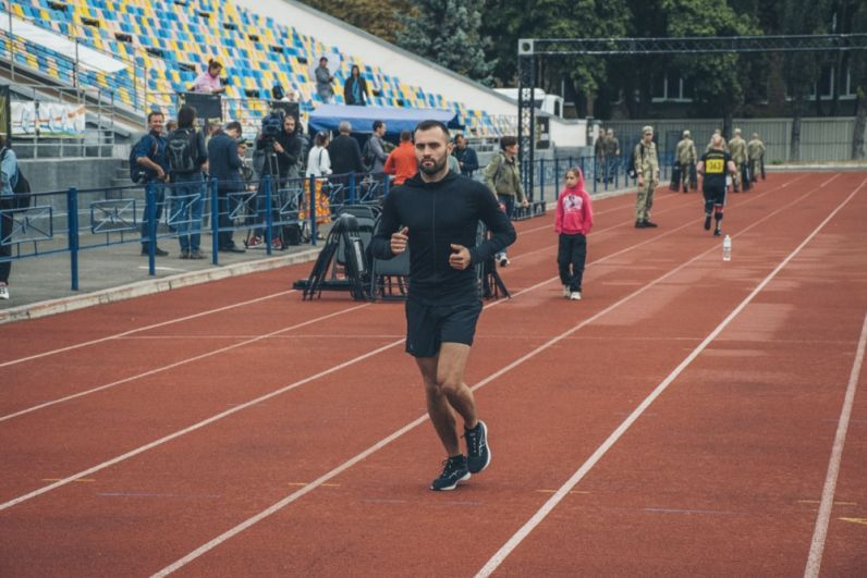 Еще одним ярким событием выходных в Киеве стали «Ігри Нескорених» - специальные спортивные соревнования, которые устраиваются для ветеранов АТО и ООС, которые получили тяжелые ранения и инвалидность.