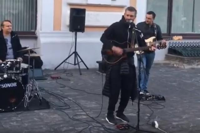Владимир Кристовский дал импровизированный концерт