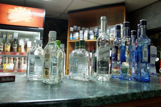 Стражи порядка изъяли более 5 000 литров спиртосодержащей жидкости.