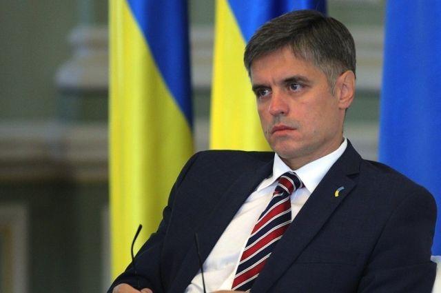 Обмен пленными и мир на Донбассе: Пристайко объяснил «формулы» Зеленского