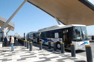 Приехать в аэропорт Платов и уехать отсюда стоит порой дороже иных авиабилетов.