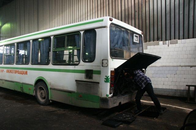 Старые автобусы ещё послужат, считают в городском департаменте транспорта.