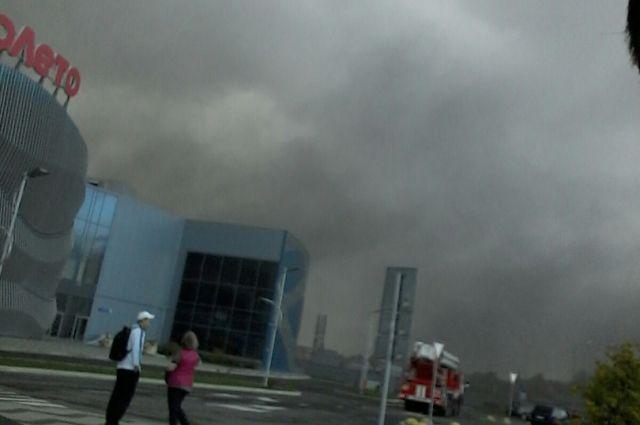 Дым за тюменским аквапарком «ЛетоЛето» напугал горожан