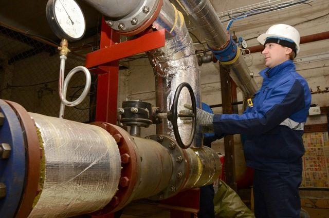 Оборудование и приборы учёта накануне отопительного сезона досконально проверяют.