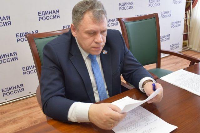 Александр Шалаев - член фракции «Единая Россия» в Законодательном Собрании.