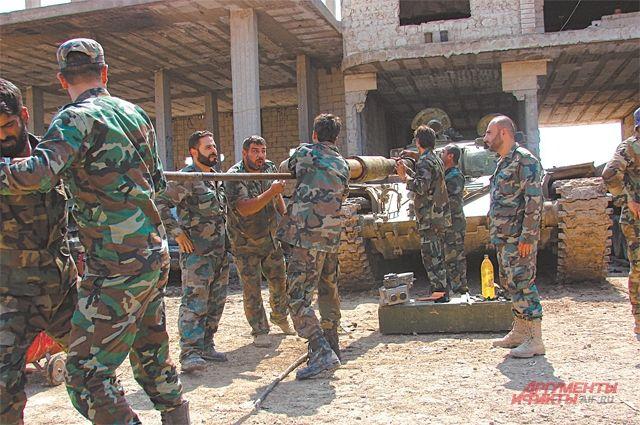 Сирийские военные уверяют: оружие у их противника порой бывает покруче, но воюет он слабее.