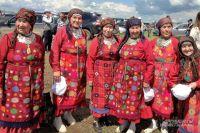 Сейчас быть удмуртом, носить национальную одежду и разговаривать на родном языке не стыдно.