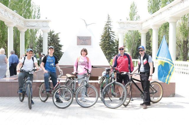 Велосипедные экскурсии вызвали большой интерес у горожан.
