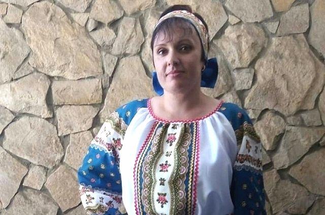 Наталья Давыдова по профессии работает более 30 лет, кроме прочего, она занимается изготовлением народных костюмов.