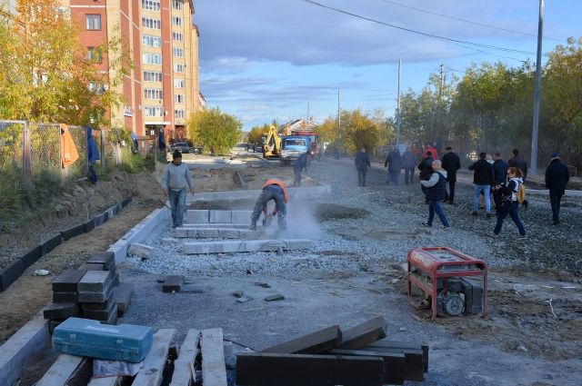 Ремонт улицы Комсомольской в Салехарде завершат до начала зимы