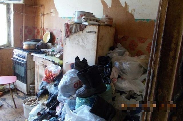 Из соображений безопасности коммунальщики отключили квартиранткам плиту от газа.