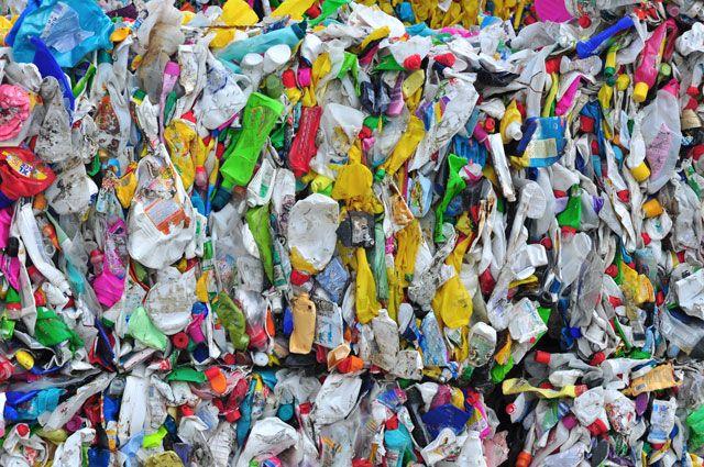 Пластик наступает! Зачем Россия покупает чужие отходы? photo