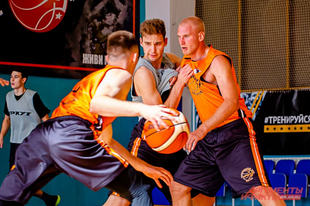 Егор Муравьёв будет выступать в составе «Иркута» уже 14 сезон