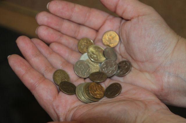 Жители Салехарда недовольны тем, что возле магазинов дети просят деньги
