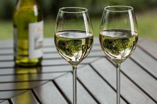 Правда ли, что безопасно выпивать до трех порций алкоголя в день?