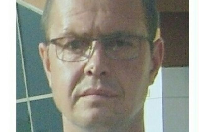 Приметы Андрея Бодагова: рост 176 сантиметров, телосложение среднее, глаза карие, волосы тёмно-русые.
