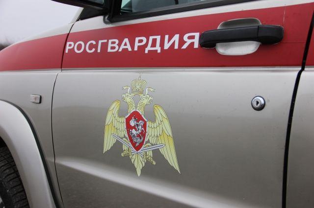 В Новом Уренгое ФСБ и Росгвардия задержали мужчину с партией наркотиков