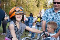 День Бурашевского сельского поселения стал для жителей и гостей ярким праздником. Здесь прошёл конкурс элегантности ав- томобилей и мотоциклов разных эпох, играл духовой оркестр.