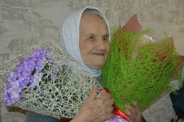 Елизавета Васильевна каждый день в молитве упоминает около 90 имён своих знакомых.