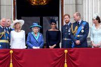 Елизавета II и её семья.