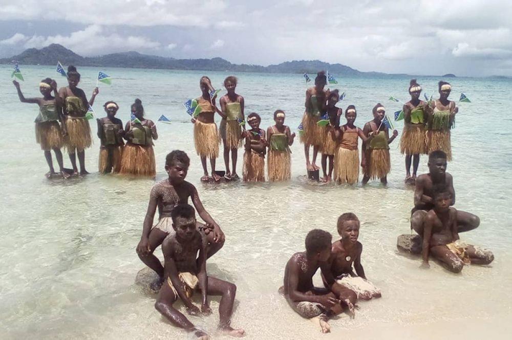Акция протеста студентов против изменения климата на острове Марово, Соломоновы Острова.