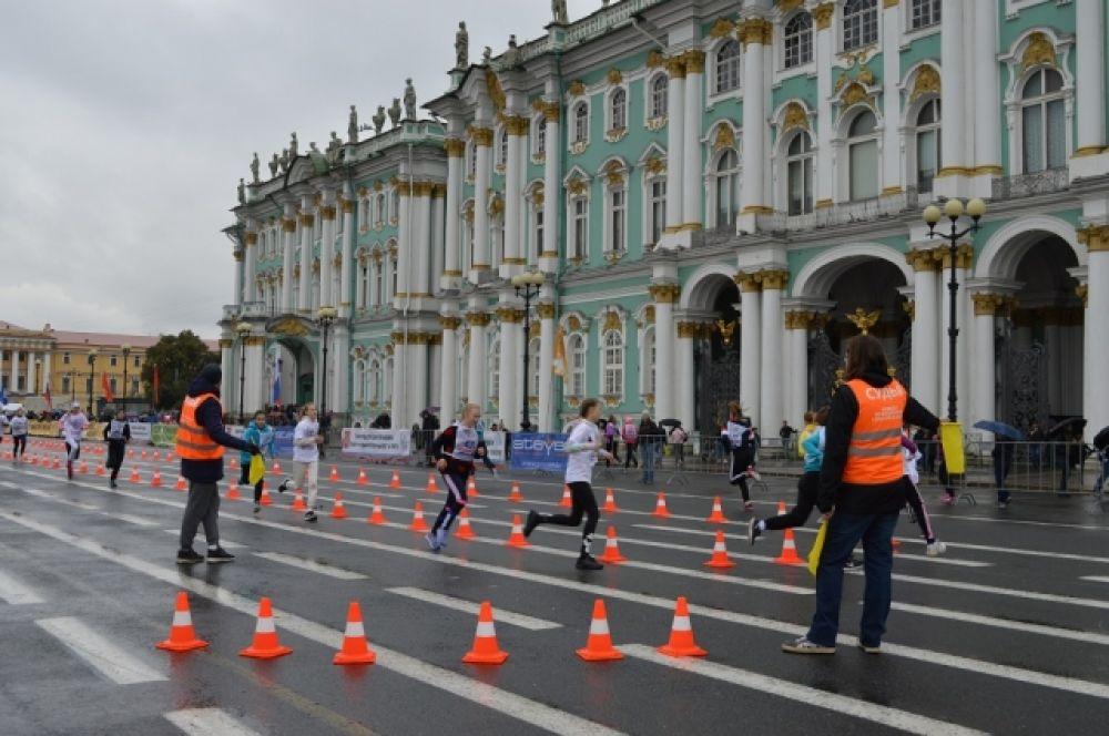 Перед самим марафоном сделали небольшие соревнования для детей.