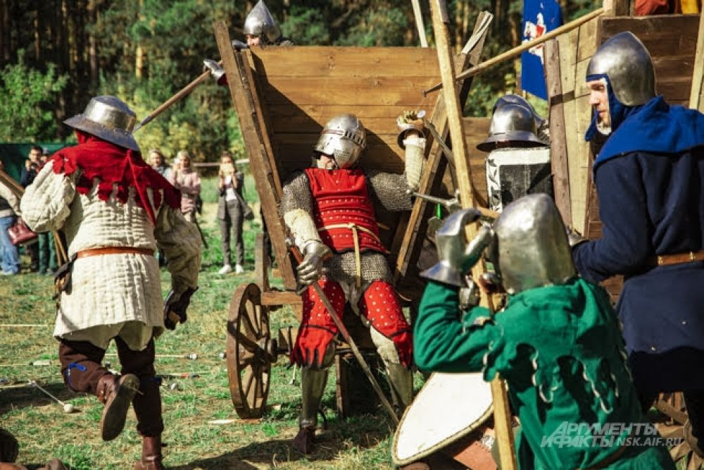 Участникам удалось передать атмосферу средневековья.
