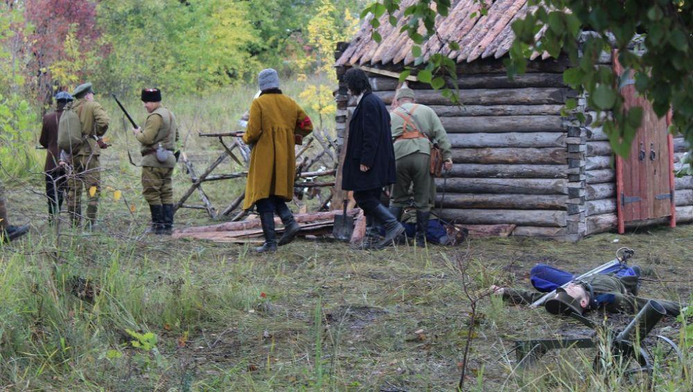 Солдаты РККА сломили оборону белограврдейцев