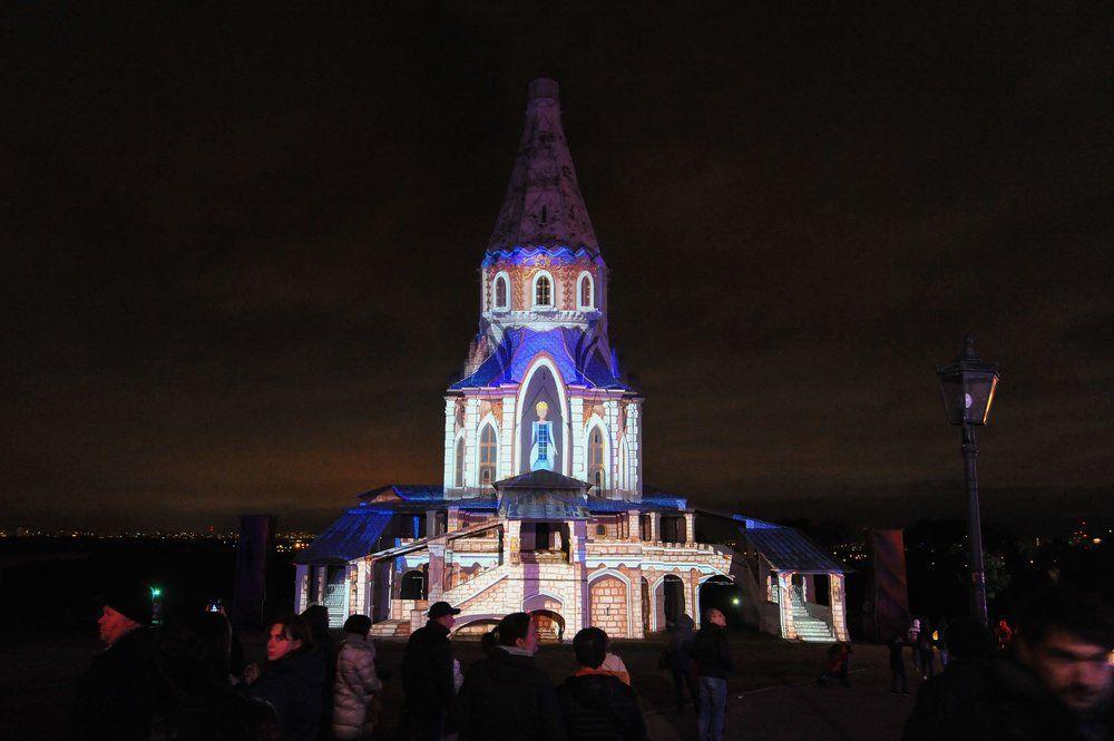 Площадка фестиваля «Круг света» в Музее-заповеднике «Коломенское».