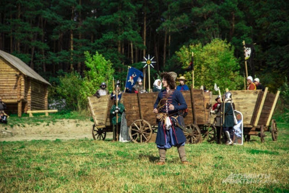 Все могли прогуляться по средневековому двору.
