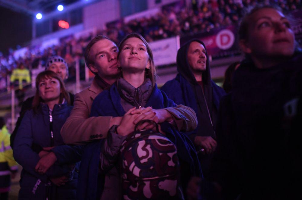 Зрители фестиваля «Круг света» на Гребном канале «Крылатское».