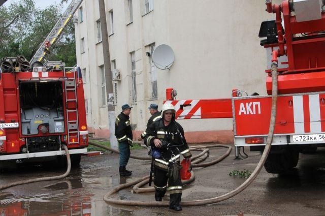Массовые эвакуации прошли на выходных в Омске из-за пожаров