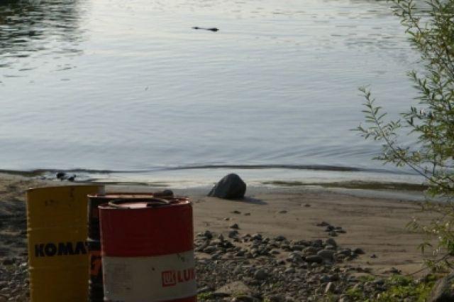 Люди опасаются, что единственный источник питьевой воды — река Казыр, будет загрязнен