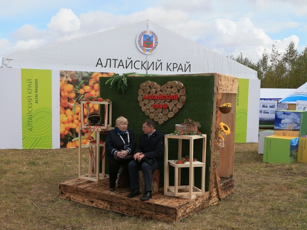 Общая площадь павильона Алтайского края на форуме «Хлеб, ты -мир» составила 360 кв.метров, его монтаж занял более десяти дней