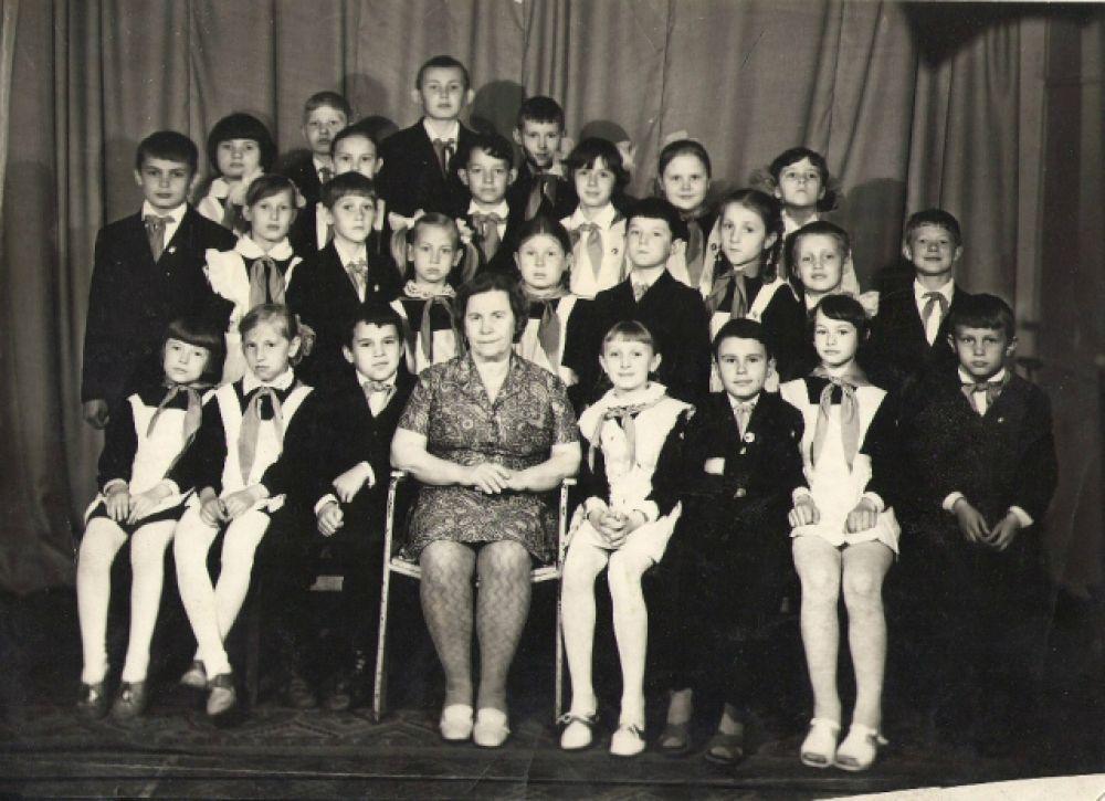 """Школьные годы чудесные"" Анцев Андрей. 3А класс 1973 год, г. Барнаул."