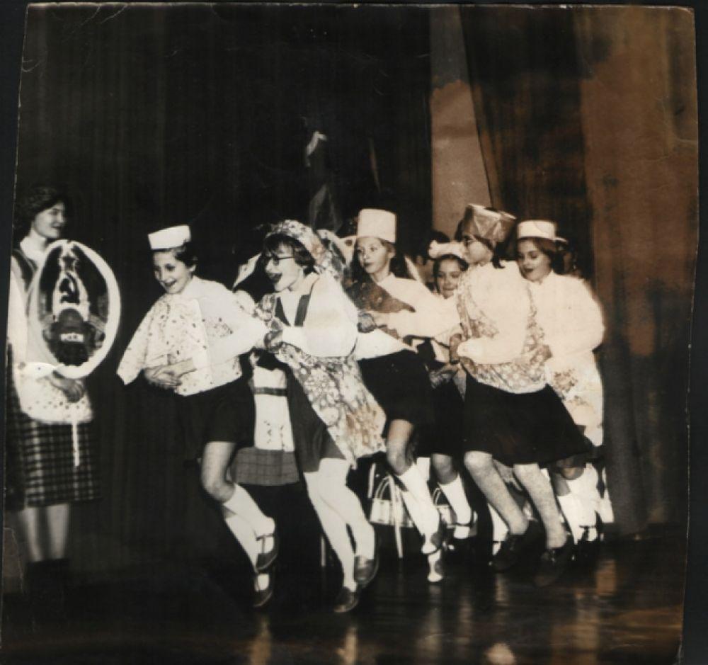 """""""Школьные годы чудесные"""" Корнеева Наталья, Муромцево, 1982 год."""