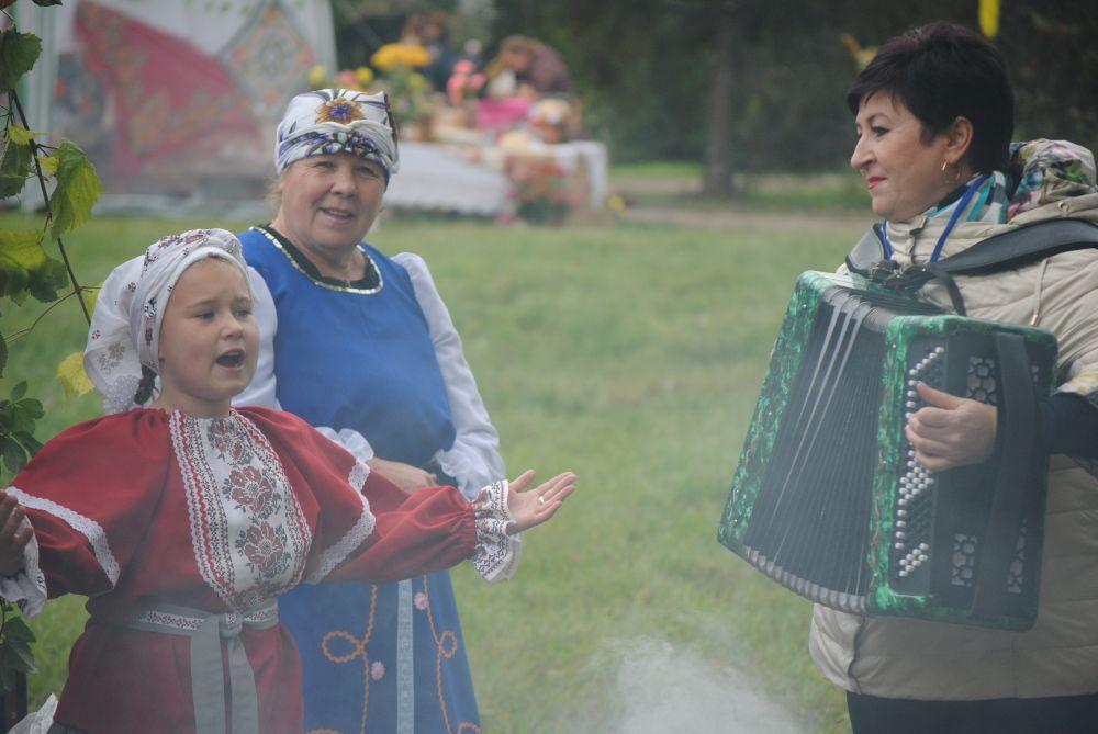 Аксаково во время праздника живёт и поёт.