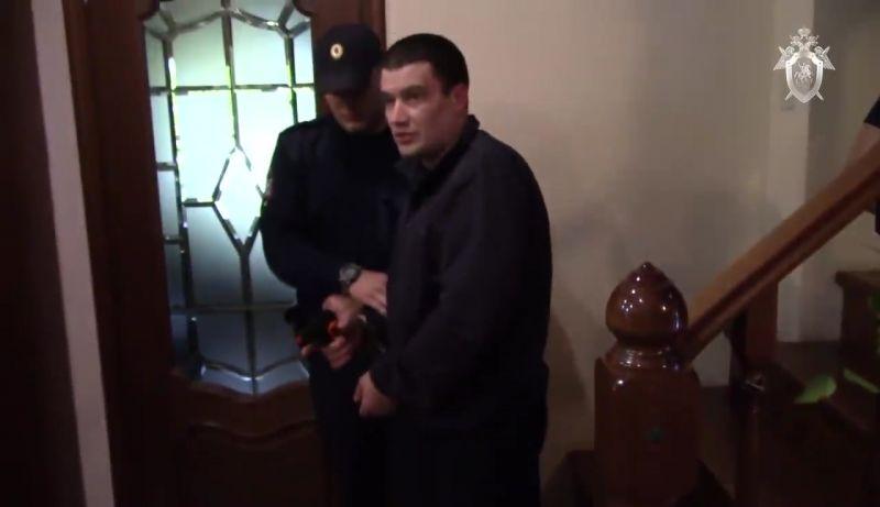 Веселов ранил тещу музыканта и дважды выстрелил в Круга из пистолета «ТТ». Также он застрелил пса, охранявшего дом.