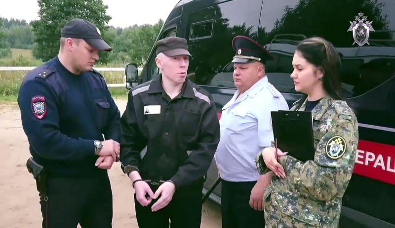 В СК пояснили, что самого Веселова убил в 2003 году еще один член банды «Тверские волки» Александр Осипов (на фото в центре), который сейчас отбывает наказание в виде пожизненного лишения свободы.