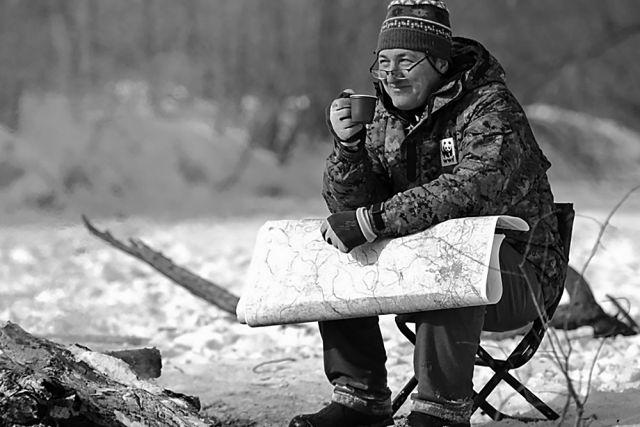 Павел Фоменко в перерыве во время тигриного учёта 2015 года.