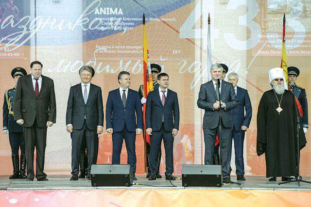Александр Гусев сердечно поздравил воронежцев с днём рождения города.