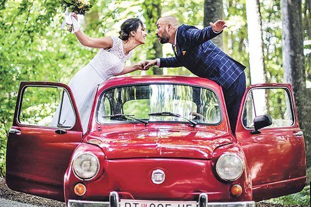 В августе Александар и Яна сыграли красивую свадьбу в Македонии.