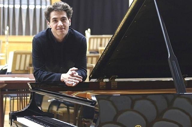 Константин Емельянов начинал заниматься музыкой в краснодарском МЭЦ.